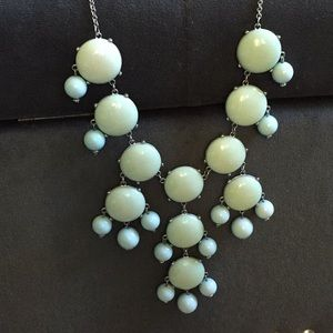 Jewelry - Mint green and silver bubble necklace